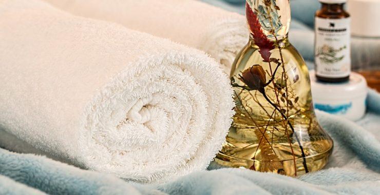 massage-therapy-1612308_960_720-740x380
